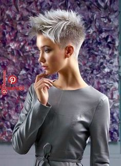 Pin by Monica Ruiz on Kleines Tattoo in 2019 - . - Monica Ruiz& Pin on Small Tattoo in 2019 – the CODE - Pinterest Short Hairstyles, Short Spiky Hairstyles, Very Short Haircuts, Really Short Hair, Girl Short Hair, Short Hair Cuts For Women, Short Hair Styles, Short Cuts, Cheveux Courts Funky