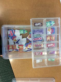 Sorting Snacks Work Box-  Pictures of snacks and candy for students to sort in a craft box. Real photographs make it better!