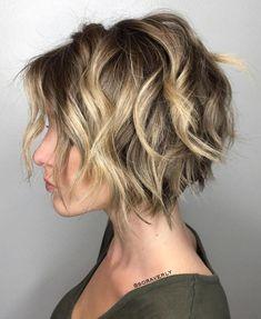 100 Mind-Blowing Short Hairstyles for Fine Hair Short Wavy Choppy Bob Medium Hair Styles, Curly Hair Styles, Hair Medium, Messy Bob Hairstyles, Hairstyles 2018, Layered Hairstyles, Choppy Haircuts, Haircut Short, Fringe Hairstyles