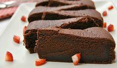 Čokoládová torta bez múky len z troch surovín - Receptik. Healthy Dessert Recipes, Sweet Desserts, Sweet Recipes, Baking Recipes, Cake Recipes, Snack Recipes, Healthier Desserts, Flour Recipes, Cake Flour Recipe
