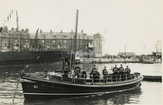Photo - Weymouth Lifeboat, William and Clara Ryland and Crew 1900 s - Reprint
