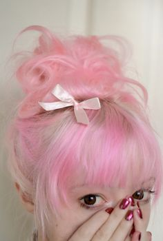 Pink hair ~ Cute, but I would never do it!