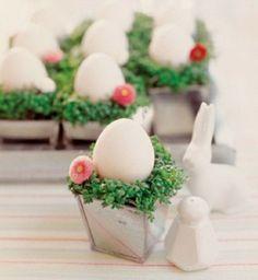 idée de décoration avec des oeufs de Pâques