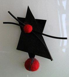 Gummibrosch. Rubber brooch