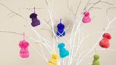 Így készítsd el a legtündéribb karácsonyi díszíeket, a kötött minisapkákat!