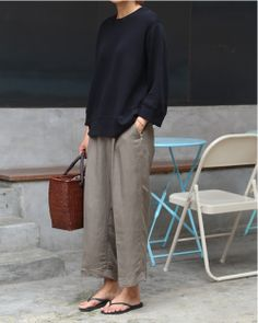 Expensive Women S Fashion Brands Referral: 3935837824 Mode Outfits, Trendy Outfits, Fashion Outfits, Womens Fashion, Fashion Trends, Minimalist Fashion Women, Minimal Fashion, Casual Chic Style, Look Chic