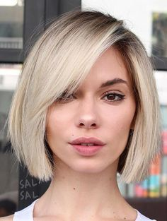Here Are the 50 Best Trendy Short Hairstyles for Fine Hair - Hair layers or blunt cut for thin hair - Thin Hair Cuts Haircuts For Fine Hair, Short Hairstyles For Women, Bob Haircut Fine Hair, Blunt Bob Hairstyles, Fine Hair Bobs, Pixie Haircuts, Bob With Fringe Fine Hair, Bob With Side Fringe, Blonde Bob With Fringe