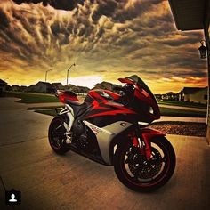 Honda CBR Photo credit to @motomentum13 Hashtag #2WP for a chance to get featured. #motorbike #motorcycle #sportsbike #dirtbike #supermoto #yamaha #honda #suzuki #kawasaki #triumph #ducati #harleydavidson #aprilia #ktm #bmw #buell #husqvarna #r1 #r6 #gsxr #cbr #panigale #monster #streettriple #daytona #bikelife #TwoWheelPassion
