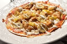 Tortillapizza med kyckling Pasta Salad, Food And Drink, Meat, Chicken, Ethnic Recipes, Beef, Cold Noodle Salads, Noodle Salads, Cubs