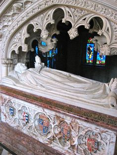 QUEEN KATHERINE PARR'S TOMB EFFIGY - PERSONALLY, THE MOST BEAUTIFUL CHANTRY LEFT FROM TUDOR PERIOD.