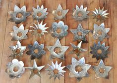 Vintage Tin Reflectors, maybe a project for anyone to use for other ideas or Christmas ornaments/etc. Christmas Lights Outside, Vintage Christmas Lights, Hanging Christmas Lights, Victorian Christmas, Vintage Ornaments, Tin Can Art, Soda Can Art, Tin Art, Aluminum Can Crafts