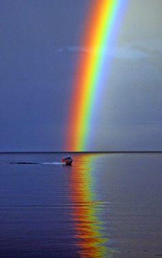 Göl üzerinde an aşk üzerine Gökkuşağı