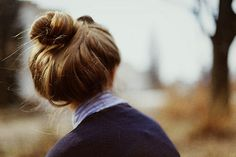 Dang it you impossible perfect bun. Fringe Hairstyles, Feathered Hairstyles, Hairstyles With Bangs, Pretty Hairstyles, Girl Hairstyles, Wedding Hairstyles, Drawing Hairstyles, Perfect Hairstyle, Brunette Hairstyles