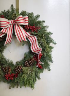 Beautiful holiday wreath // Photography: Elizabeth Messina - www.elizabethmessina.com