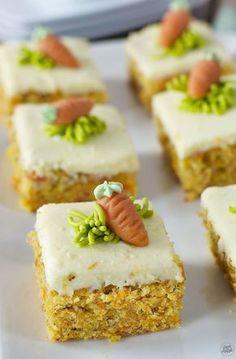 Saftiger Karottenkuchen vom Blech mit Frosting