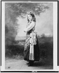 """Maude Adams as the gypsy from the play """"The Little Minister""""."""