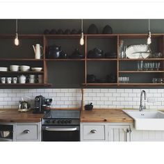 A Swede and a Londoner sharing their interior design ideas and inspirations alongside fashion, travel and lifestyle posts. We hope you enjoy / Amanda & Kai Kitchen Shelves, Kitchen Tiles, Kitchen Dining, Kitchen Cabinets, Kitchens And Bedrooms, Kitchen Family Rooms, Home Kitchens, Minimal Kitchen Design, Small Apartment Kitchen