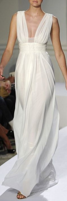 Sharp white on a modern take on a Grecian dress Grecian Dress, Draped Dress, Gossip Girl, White Fashion, Beautiful Gowns, Dream Dress, Dress To Impress, Mantel, Runway Fashion
