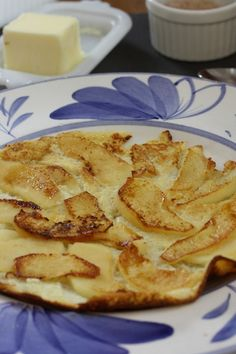 Gonna have to try this for my favorite son!  (thankfully I only have one, so I can say that!)  Apple Pancakes