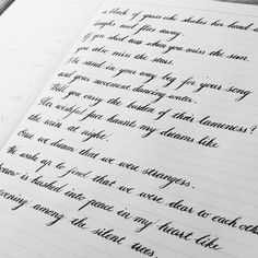 20 Times People Found Some Truly Perfect Handwriting Examples That Were Too Good Not To Share Handwriting Examples, Handwriting Styles, Calligraphy Handwriting, Handwriting Practice, Calligraphy Letters, Penmanship, Improve Handwriting, Handwriting Template, Handwriting Alphabet