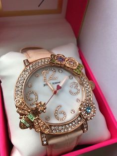 Betsey Johnson Queen Bee Watch BJ00599-03 #BetseyJohnson