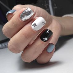 Black nail art brilliant nails Glitter nails Ideas of colorful nails Multi-color nails Nails with stars Painted nail designs White winter nails Dot Nail Designs, Winter Nail Designs, Best Nail Art Designs, Nail Polish Designs, Trendy Nails, Cute Nails, My Nails, Winter Nails, Summer Nails