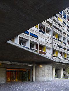 Since 1998 the Web Atlas of Contemporary Architecture Modern Architecture Design, Architecture Student, Interior Architecture, Interior Design, Le Corbusier, Bauhaus, Beton Design, Urban Apartment, Social Housing