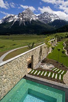 Mohr Life Resort | Design Hotel | Austria | http://lifestylehotels.net/en/mohr-life-resort | outdoor, pool, swimming, view, mountains, alpine