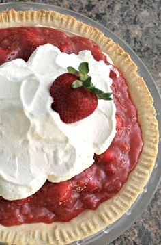Fresh Strawberry Pie | TheTurquoiseHome.com