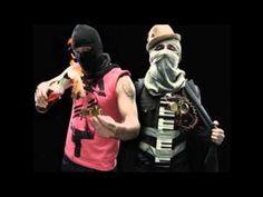 Calle 13 - Los idiotas