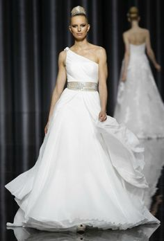 Top 4 Wedding Dresses of the Week: One-Shoulder Edition!