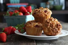 Grain Free Strawberry Streusel Muffins #grainfree #strawberry #muffins