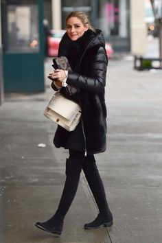 Olivia Palermo in leggings out in Brooklyn - January 2017 Supernatural Style Olivia Palermo Outfit, Olivia Palermo Stil, Olivia Palermo Lookbook, Olivia Palermo Winter Style, Winter Leggings, Women's Leggings, Winter Stil, Casual Winter, Hipster Chic