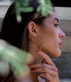 𝐓𝐈𝐌𝐄𝐋𝐄𝐒𝐒 𝐁𝐄𝐀𝐔𝐓𝐘  #aus #liebe#zum#detail#handmade#silverjewelry Hoop Earrings, Beauty, Jewelry, Fashion, Dots, Love, Bags, Schmuck, Moda