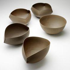 FÜNF SCHALEN ETUDE GÉOMÊTRIQUE  TON, 17 X 30 X 30 CM #Ceramics #pottery