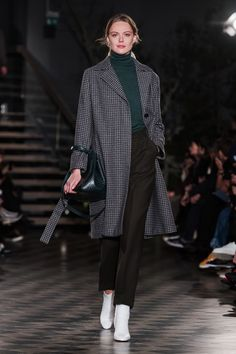 ABOUT Built on Scandinavian simplicity, Filippa K is a fashion brand designing essential wardrobe pieces for women and men, including shoes, bags and accessories. Founded in Filippa K quickly… Toddler Fashion, Boy Fashion, Womens Fashion, Fashion Design, Stockholm Fashion Week, Fashion 2018, Fashion Trends, Fashion Inspiration, Fall Wardrobe