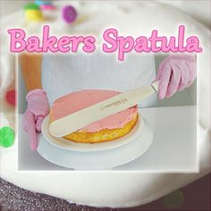 The ideal spatula for finishing cakes and desserts. The Sani-Safe® polypropylene handle is slip resistant and withstands high and low temperatures. #bakerysupplies #bakingsupplies #baking