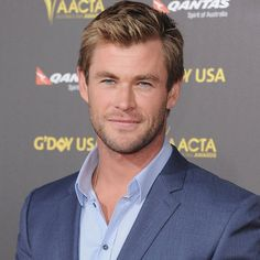 Pin for Later: Les Meilleurs Moments Tapis Rouge de Chris Hemsworth