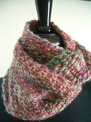 Reversible cowl knit in linen stitch. Wicked quick to knit using #15 needles and one skein of Berroco Brio.