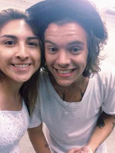 harry styles flirting with fans Mix - harry styles flirts with fan youtube harry styles with girls and flirting moments - duration: 13:14 1dfunstuff 1,961,476 views 13:14.