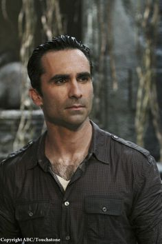 Nestor Carbonell, sexy et si viril