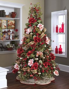 Tree Amaryllis & Cardinals http://www.christmas-morning.com/