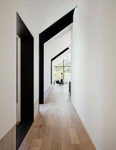 Hepburn Springs House by Telha Clarke features glazed gable end Melbourne Architecture, Residential Architecture, Interior Architecture, Interior Design, Architecture Plan, Beautiful Architecture, Contemporary Cabin, Weekend House, Loft