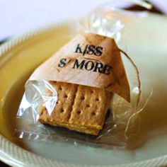 Smore kisses from the bride and groom. cute wedding favors (Hershey kisses for chocolate)