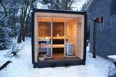 Good sauna designs and plans make your sauna project perfect. When you decide to design your own sauna, it is important to consider several factors. Heaters are the heart and soul of any sauna. Sauna House, Sauna Room, Jacuzzi, Outdoor Sauna, Outdoor Decor, Design Sauna, Container Cabin, Container Garden, Cargo Container