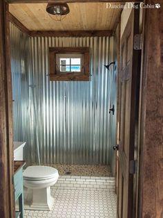 Cabin Bathrooms, Outdoor Bathrooms, Rustic Bathrooms, Small Bathroom, Tin Shower Walls, Tin Walls, Galvanized Shower, Ideas Cabaña, Rustic Bathroom Designs