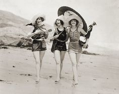 "1920s vintage free freebie printable photo of bathing beauties. ""Live your life like a stroll on the beach... As close to the edge as you can go!"""