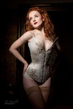 Ivory Flame   Corset: Sparklewren  Photo: InaGlo Photography