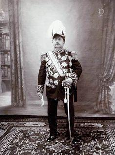 Potret Soesoehoenan Pakoe Boewono X dari Surakarta, 1932 Surakarta, Dutch East Indies, Javanese, Old Pictures, Southeast Asia, The Past, Royalty, History, Model