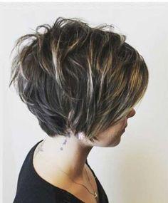11.Court Coupe de cheveux en Couches